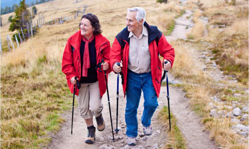 sport et retraite marche nordique